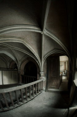 RomanyWG VAULTED CEILING OF HISTORICAL BUILDING Interiors/Rooms