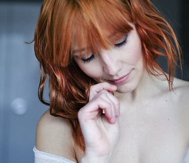 Marta Syrko WOMAN WITH RED HAIR DAYDREAMING Women