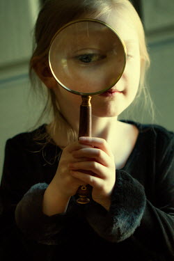 Elisabeth Ansley LITTLE GIRL HOLDING MAGNIFYING GLASS Children