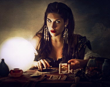 Chiara Fersini FORTUNE TELLER WITH TAROT CARDS Women