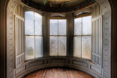 RomanyWG GRAND BAY WINDOW WITH CONDENSATION Interiors/Rooms