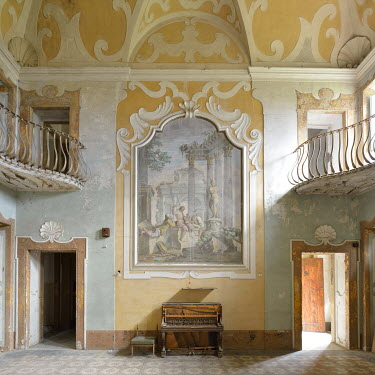 RomanyWG FADED GRANDEUR OF ORNATE INTERIOR Interiors/Rooms