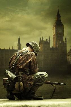 Mohamad Itani SOLDIER KNEELING BY BRITISH PARLIAMENT Men