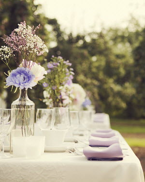 Irene Suchocki BEAUTIFUL SUMMERY TABLE SETTING OUTDOORS Miscellaneous Objects