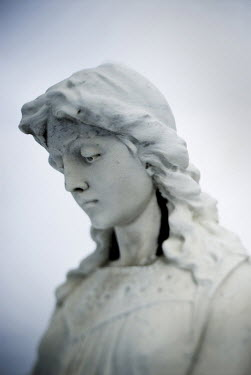 Joan Barrett HEAD OF FEMALE STONE STATUE Statuary/Gravestones
