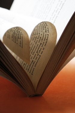 Mashael Hamad AlShuwayer BOOK WITH HEART-SHAPED PAGES Miscellaneous Objects