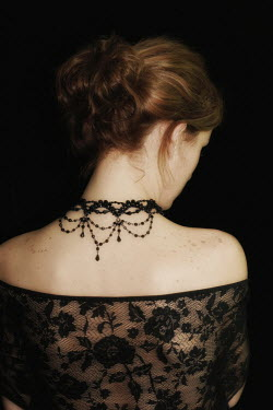 Ilona Wellmann BACK OF WOMAN WITH NECKLACE Women