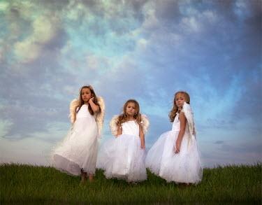 Jake Olson THREE LITTLE ANGELS IN FIELD Children