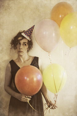 Marico Fayre UNHAPPY WOMAN STANDING WITH BALLOONS Women