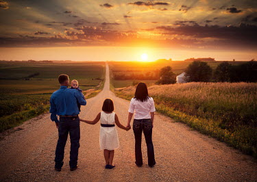Jake Olson FAMILY IN COUNTRYSIDE AT SUNSET Groups/Crowds