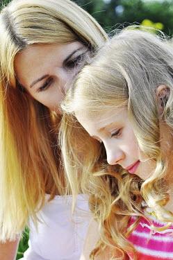 Thomas Szadziuk MOTHER AND DAUGHTER Women