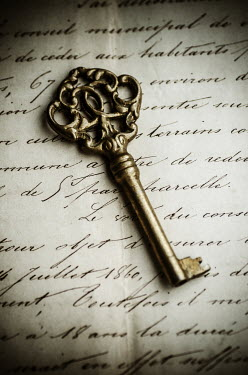 Mohamad Itani GOLKEN KEY AND LETTER Miscellaneous Objects