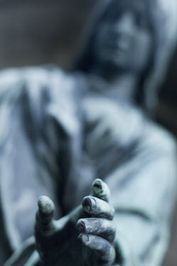 Carmen Spitznagel STATUE HAND Statuary/Gravestones