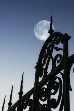 Ilona Wellmann GATES AND MOON Gates