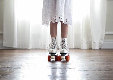 Mary Schannen LITTLE GIRL IN ROLLER-SKATES Children