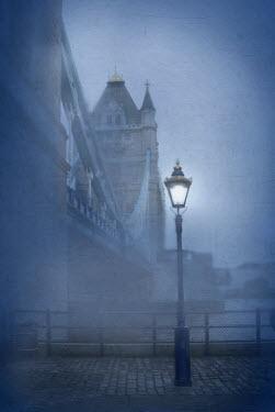 Jill Battaglia TOWER BRIDGE IN FOG Miscellaneous Cities/Towns