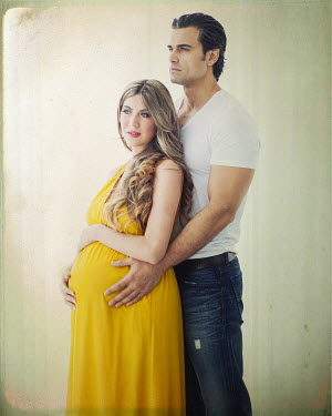 Vanesa Munoz PREGNANT WOMAN WITH LOVING MAN Couples