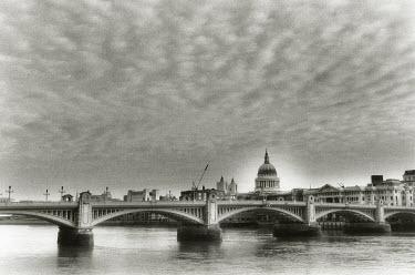 Michael Trevillion SOUTHWARK BRIDGE LONDON Bridges