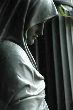 Viona Ielegems STATUE OF SHROUDED WOMAN Statuary/Gravestones