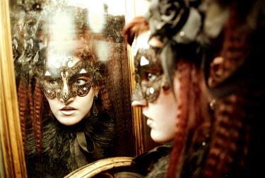Viona Ielegems WOMAN WITH MASK LOOKING IN MIRROR Women