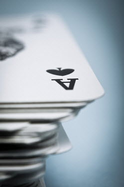 Valentino Sani CLOSE UP OF PLAYING CARDS Miscellaneous Objects