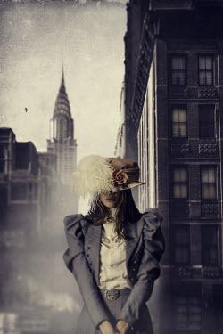 David Pairé HISTORICAL WOMAN IN NEW YORK STREET Women