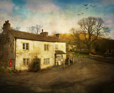 Vesna Armstrong OLD COUNTRY COTTAGES Houses