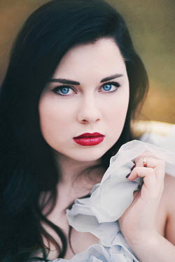 Rachel Nichole SERIOUS YOUNG BRUNETTE WOMAN Women