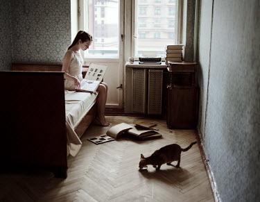 Daniil Kontorovich GIRL IN BEDROOM WITH CAT Women