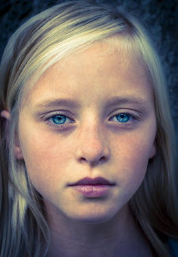 Graham Hunt SERIOUS YOUNG GIRL Children