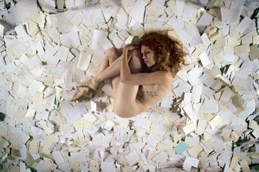 RomanyWG NAKED WOMAN LYING ON PAPER NOTES Women