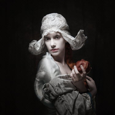 Sylwia Makris YOUNG WOMAN HOLDING POMEGRANATE Women