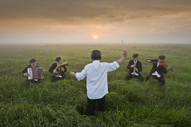 Leszek Paradowski MUSICIANS AND CONDUCTOR IN FIELD Groups/Crowds