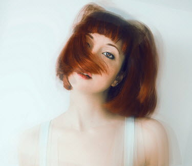 Chiara Fersini YOUNG WOMAN WITH SHORT RED HAIR Women