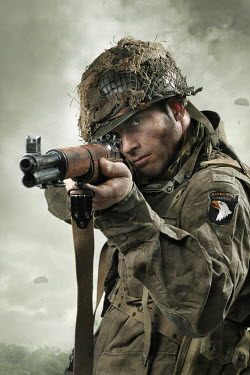 CollaborationJS AMERICAN PARATROOPER WITH RIFLE Men