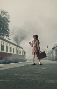 CollaborationJS GIRL EVACUEE ON TRAIN STATION Children