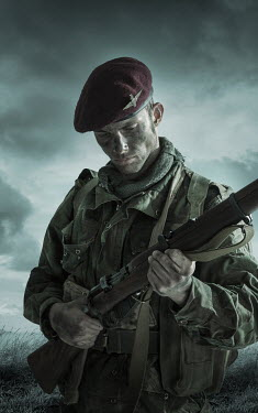 CollaborationJS BRITISH PARATROOPER FROM WW2 Men