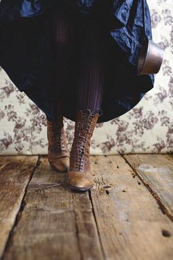 Robin Macmillan HISTORICAL WOMAN IN LEATHER BOOTS Women