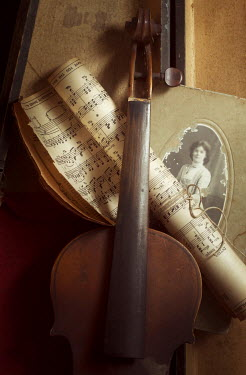 Amy Weiss VIOLIN SHEET MUSIC AND ANTIQUE PHOTO Musical Instruments