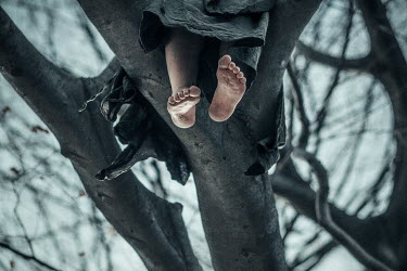 Charlotte Grimm WOMANS FEET DANGLING FROM TREE OUTSIDE Body Detail