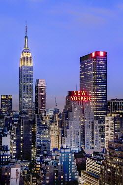 Evelina Kremsdorf NEW YORK CITY AT NIGHT Specific Cities/Towns
