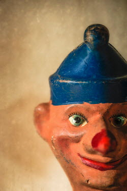 Sally Mundy VINTAGE SMILING JESTER PUPPET Miscellaneous Objects