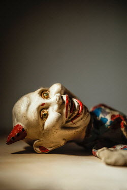 Sally Mundy VINTAGE CLOWN PUPPET Miscellaneous Objects