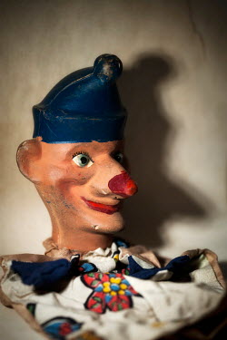 Sally Mundy VINTAGE JESTER PUPPET Miscellaneous Objects