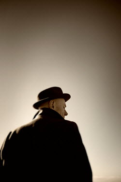Tim Robinson MAN IN BLACK HAT AND COAT Men