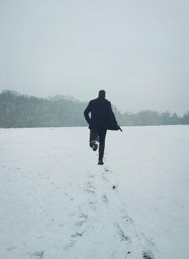Mark Owen MAN RUNNING IN SNOW Men