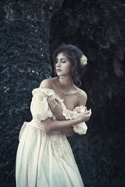 Magdalena Russocka YOUNG WOMAN IN WEDDING DRESS Women