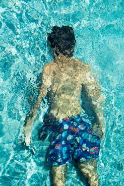 Colin Hutton MAN SWIMMING UNDER WATER Women