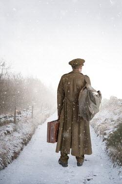 Lee Avison RETRO SOLDIER MAN ON SNOWY PATH Men