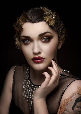 Sylwia Makris CLOSE UP OF GLAMOROUS VINTAGE WOMAN Women
